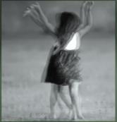 Enfant qui danse-